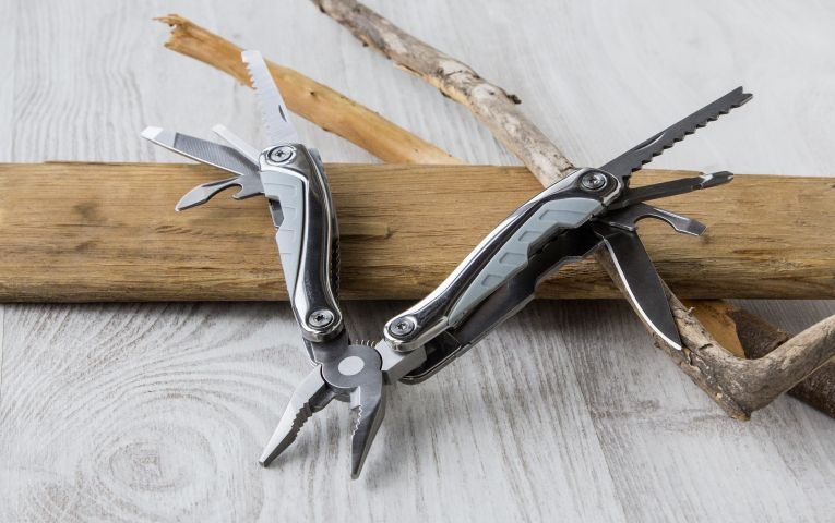 Essential Guide on How to Clean Your Multi-Tool